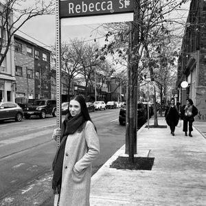 Meet your Posher, Rebecca! 🤍